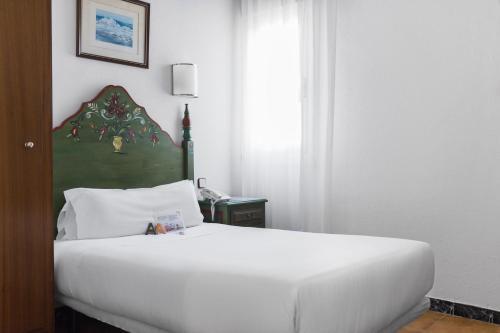 Mesón Castilla Atiram Hotels photo 31