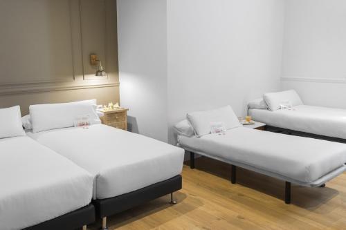 Mesón Castilla Atiram Hotels photo 36