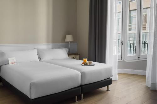 Mesón Castilla Atiram Hotels photo 38
