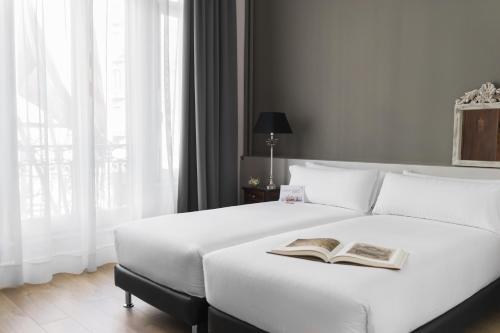 Mesón Castilla Atiram Hotels photo 41