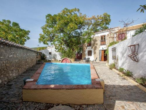 . Vintage Holiday Home in Granada with Private Swimming Pool