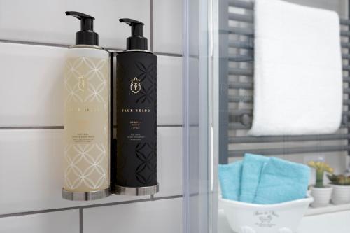 Picture of Dream Stay Bath - Trim Street