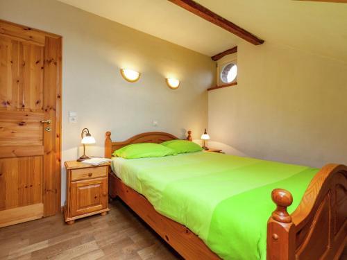 . Stunning Apartment with Garden in Montenau
