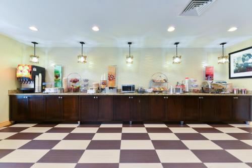 Hampton Inn & Suites Valley Forge/Oaks in Phoenixville