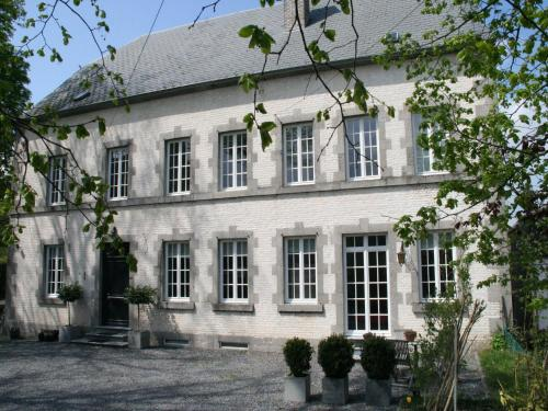 . Luxury Holiday Home by the Forest in Honnay