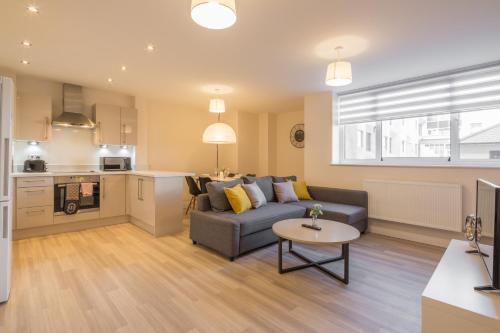 . Skyline Serviced Apartments - Stevenage