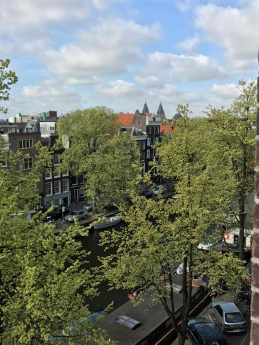 Grand Max Apartment photo 5