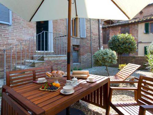 Hotel Secret Little Garden – 4bd in the city center of Siena, with garden