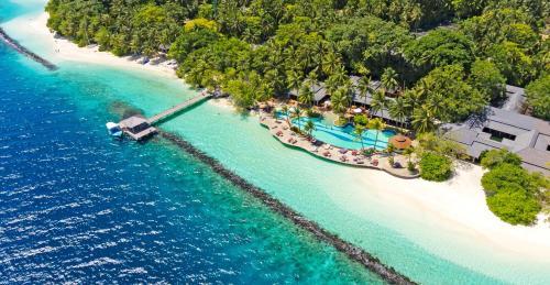 . Royal Island Resort & Spa