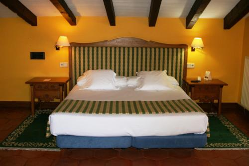 Superior Double Room Hotel Obispo 12