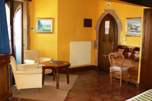 Superior Double Room Hotel Obispo 13