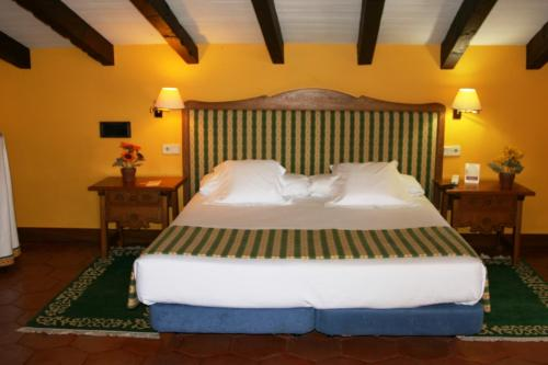 Superior Double Room Hotel Obispo 15