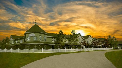 . Cedar Meadows Resort & Spa
