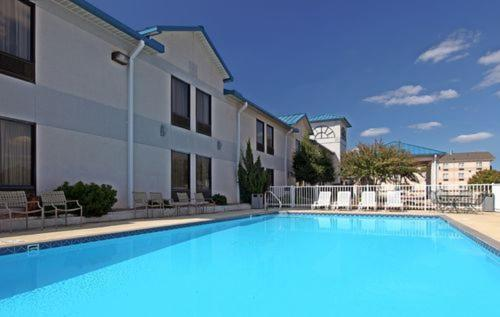 Country Inn & Suites By Radisson Bryant (little Rock) Ar