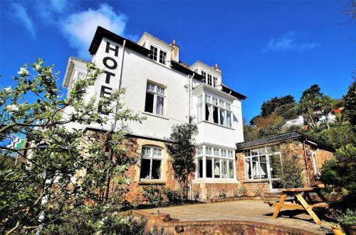 Marston Lodge Hotel - Photo 3 of 140