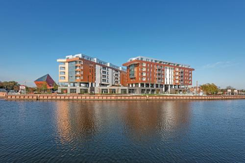 Riverside Apartments-Apartinfo