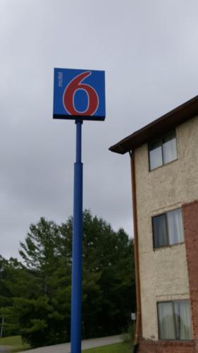 Motel 6 - Morehead, KY 40351