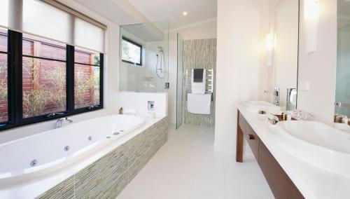 88 Obi Lane South, Maleny, Queensland 4552, Australia.