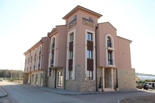 . Hesteya Hotel
