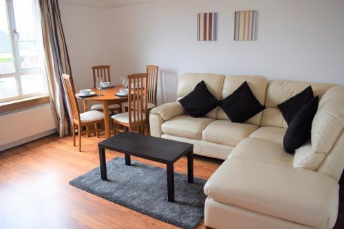 . Kelpies Serviced Apartments- McCreadie