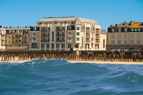Hôtel Le Nouveau Monde - Hôtel - Saint-Malo