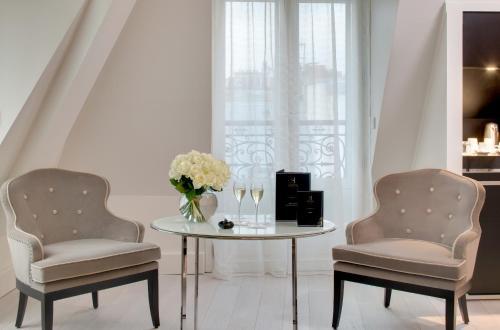 la villa haussmann h tel 132 boulevard haussmann 75008. Black Bedroom Furniture Sets. Home Design Ideas