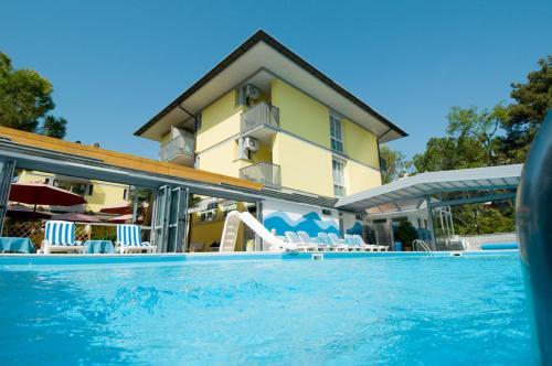 __{offers.Best_flights}__ Hotel Ai Pini