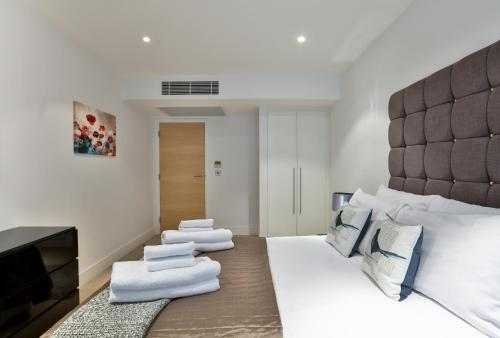 5 Star Central London 3 Bedroom Apartment photo 12