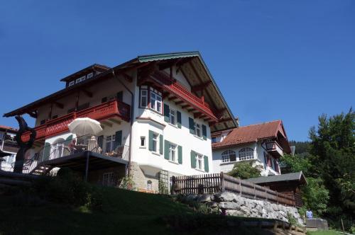 . Villa Bergfrieden