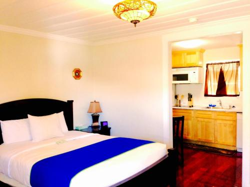 Americas Best Value Inn Royal Carriage - Accommodation - Jamestown