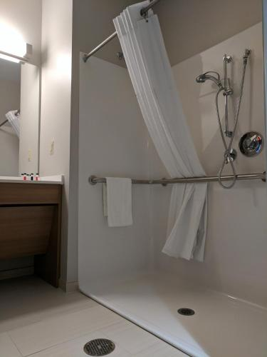 Microtel Inn & Suites By Wyndham Clarion - Clarion, PA 16214