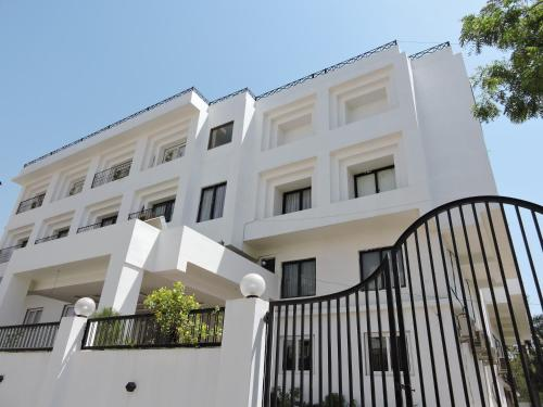. Hotel Uma Residency