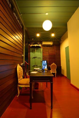 La Moon Hostel photo 35