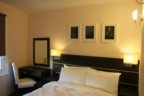 Baytree Hotel - Photo 3 of 33