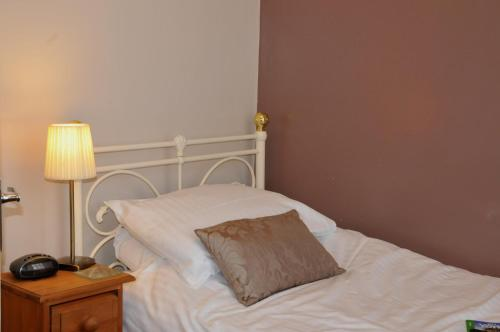 Dragon House Guest Accommodation - Photo 7 of 25