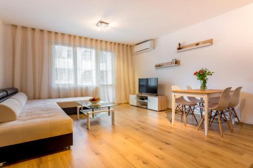 . Ibar Apartment & Garage