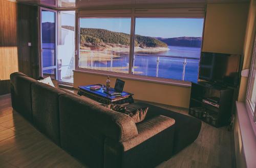 Lakeview-Estate ApartHotel