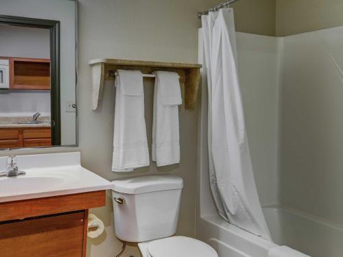 Фото отеля WoodSpring Suites Austin Round Rock