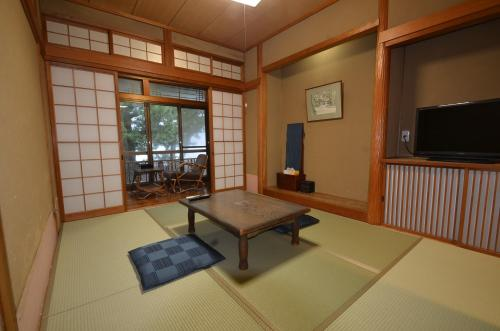日式客房 - 带共用浴室 - 附楼 (Japanese-Style Room with Shared Bathroom - Annex)