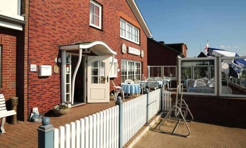 . Hotel-Restaurant England
