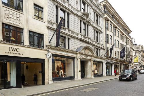 37 Conduit Street, Mayfair, London, England, W1S 2YF.