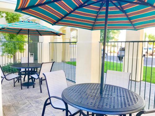 Club De Soleil All-Suite Resort - Photo 5 of 21