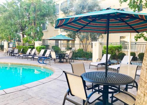 Club De Soleil All-Suite Resort - Photo 7 of 21