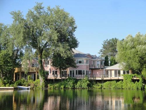 Red Bridge Inn - Park Rapids, MN 56470