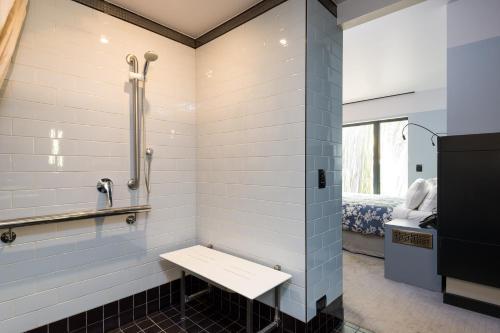 37 Balfour Street, New Farm, Brisbane, 4005, Australia.
