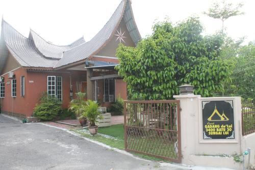 Rumah Gadang de'Lui Family Retreat