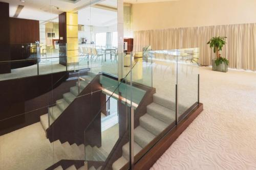Regal Airport Hotel photo 41