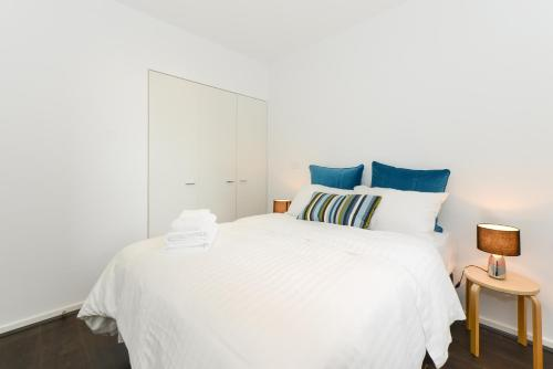 Canvas Suites on La Trobe