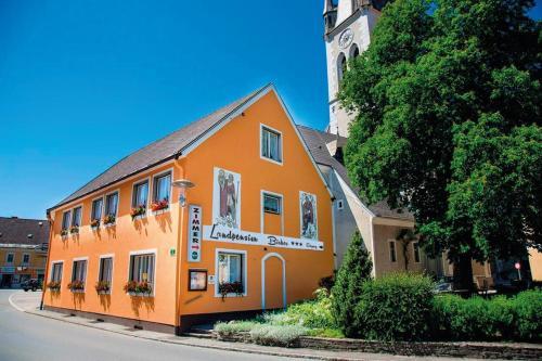 Landpension Birker - Hotel - Weißkirchen in Steiermark