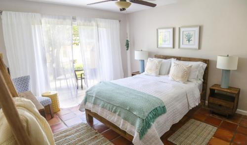 Villa Montaña Beach Resort room photos